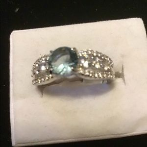 NWT. Size 8. Smoky blue and white topaz ring